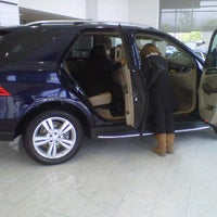 Photo taken at Mercedes-Benz of Valencia by Yosi F. on 3/31/2012