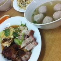 Photo taken at Kar Heong Chicken Rice by Elaine L. on 3/1/2012