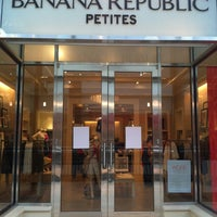 Photo taken at Banana Republic by Mónica C. on 3/27/2012