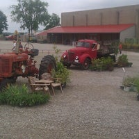 Photo taken at Eckert's Belleville Country Store & Farm by Marty O. on 9/3/2012