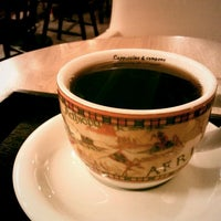 Photo taken at Coffee Tour by 05 Y. on 2/24/2012