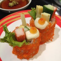 Photo taken at Heiroku Sushi by Fang_rice S. on 6/2/2012