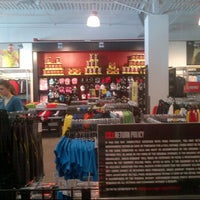 Photo taken at Under Armour Outlet by Paulo C. on 6/13/2012