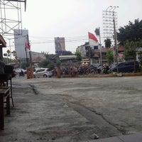 Photo taken at Jalan Pos Pengumben by Tofik H. on 8/14/2012