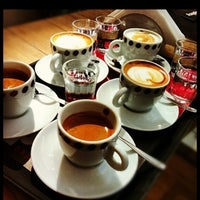 Photo taken at Suplicy Cafés Especiais by Suplicy C. on 9/2/2012