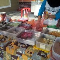 Photo taken at Restoren Seafood Haniza by Irwan A. on 7/29/2012