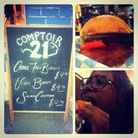 Photo taken at Comptoir 21 by SlakZee on 9/7/2012