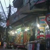 Photo taken at Bia Hơi Corner by Do M. on 3/12/2012