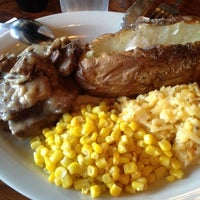 Photo taken at Cracker Barrel Old Country Store by Ashley B. on 8/3/2012