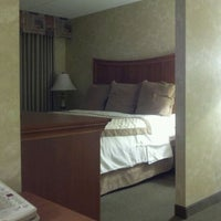 Photo taken at Hawthorn Suites By Wyndham by Rob W. on 4/23/2012