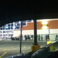 Photo taken at Best Buy by LXX C. on 5/15/2012