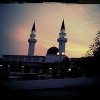 Photo taken at Masjid At-Taqwa by n.Nɐzɹʎ♕m.Nɐʍı™ on 6/21/2012