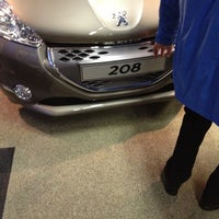 Photo taken at Peugeot DAVO by Deo B. on 4/4/2012