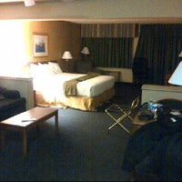Photo taken at Holiday Inn Express & Suites St. Joseph by GDogg!!!! ! . on 3/6/2012