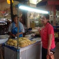 Photo taken at หน้า ม.มหิดล ศาลายา by kittawit p. on 7/30/2012