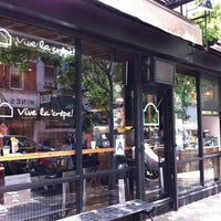 Photo taken at Vive La Crêpe by Denny D. on 6/1/2012