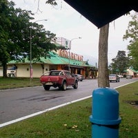 Photo taken at R&R Ulu Bernam – South Bound by Tiee S. on 8/19/2012