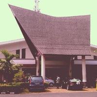 Photo taken at Gedung Mulia & Raja by Suharwan on 7/7/2012