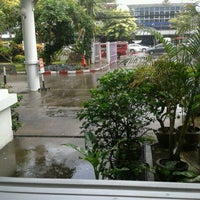Photo taken at Faculty of Pharmacy by Warunyoo W. on 8/20/2012
