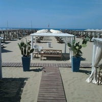 Photo taken at Bagno Il Cavallone by Elisa C. on 8/3/2012