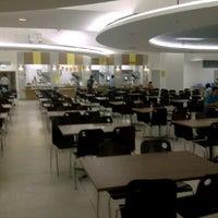 Photo taken at Food Court ชั้น 1 อาคาร B by Roti Van Hima on 2/3/2012