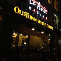 Photo taken at OldTown White Coffee by Aris T. on 7/4/2012