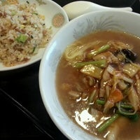 Photo taken at 周香港飯店 by Tsutomu N. on 8/20/2012