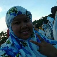 Photo taken at Lapangan Karebosi by Lian L. on 8/18/2012