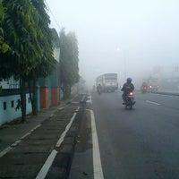 Photo taken at jalan raya trowulan mojokerto by whilman I. on 3/31/2012