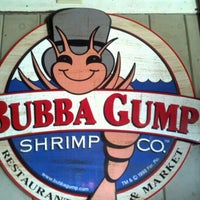Photo taken at Bubba Gump Shrimp Co. by Sonya E. on 4/7/2012