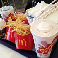 Photo taken at McDonald's by Kityaporn C. on 5/13/2012