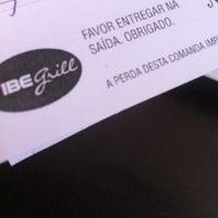 Photo taken at Vibe Grill by Rodrigo C. on 3/1/2012