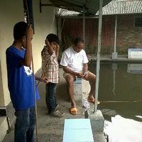 Photo taken at Kolam Pancing & Lesehan Pacet Indah by Natalia A. on 3/23/2012