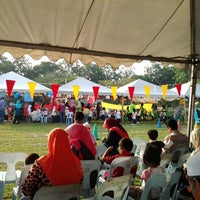 Photo taken at Sek. Men. Keb. Saujana Utama by Badrul Hisyam b. on 5/20/2012