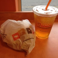 Photo taken at Dunkin' Donuts by Raymond S. on 3/21/2012