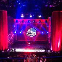 Photo taken at Teatro Arteria Coliseum by Gonzalo M. on 3/26/2012