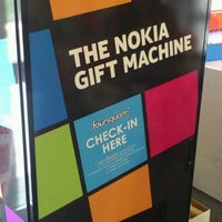Photo taken at Nokia Gift Machine @ App Campus – Disrupt San Fran by Lucio P. on 6/19/2012