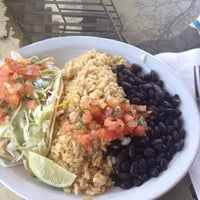 Photo taken at Wahoo's Fish Taco by Christine S. on 8/13/2012