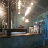 Photo taken at Bellisimo Hair Salon by Kathi O. on 5/29/2012