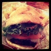 Photo taken at Red Robin Gourmet Burgers by LanChi N. on 9/9/2012