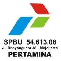 Photo taken at SPBU 54.613.06 Bhayangkara - Mojokerto by YulKoz on 4/29/2012