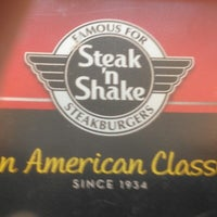 Photo taken at Steak 'n Shake by Dennis C. on 8/20/2012