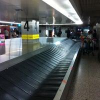 Photo taken at Aeroporto de Lisboa - Chegadas / Arrivals by Geert V. on 8/26/2012
