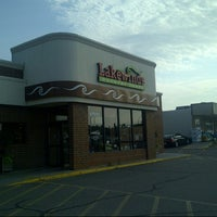 Photo taken at Lakewinds Natural Foods by Ian on 7/3/2012