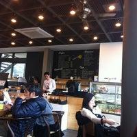 Photo taken at art cafe da:m by Juhyeon K. on 3/18/2012
