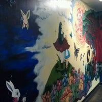 Photo taken at Mellow Mushroom by Robert B. on 9/2/2012