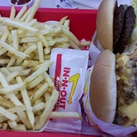 Photo taken at In-N-Out Burger by Stephanie C. on 3/13/2012