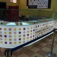 Photo taken at Big Apple Donuts by Nurdiyana M. on 5/4/2012