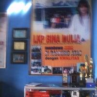 Photo taken at Primagama English by Suradi W. on 3/25/2012