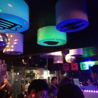 Foto tomada en Papi Fun Bar por Omar J. Gil el 7/12/2012